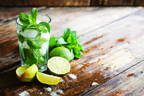 Mint and limes in drink